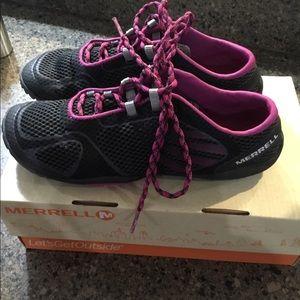Merrill Trail Running Shoes